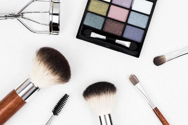 Безценни козметични трикове за заетите дами