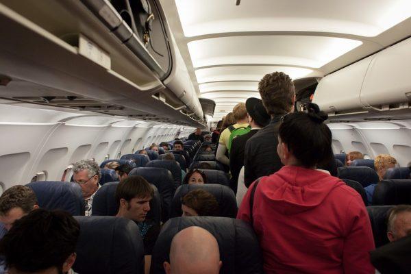 Летенето със самолет никак не е безобидно. Ето как влияе на тялото ви